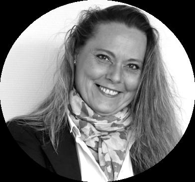 Chargée de piloter le développement commercial, la structuration et la conduite des projets du Groupe, Christelle est le lien entre les clients, les consultants et les assistantes de projets.